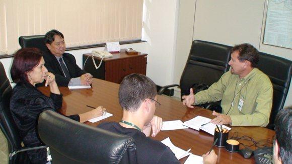 João Maria conversa com o presidente da ANTT, Dr. Noboru Ofugi