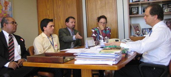 Foto 1: Reunião com o Dep. Ricardo Barros